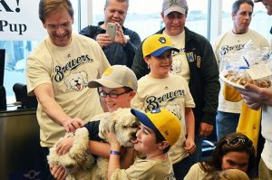 Hank the Brewers' dog arrives in Milwaukee