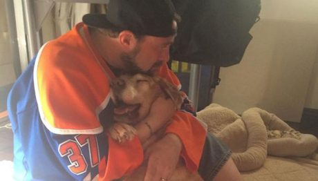 Director Kevin Smith Shares His Goodbye To His 17-Year-Old Dog